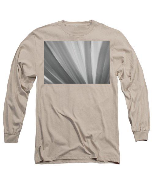 Black And White Mum Petals Long Sleeve T-Shirt