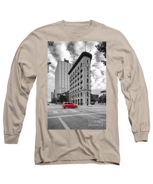 Black And White Photograph Of The Flatiron Building In Downtown Fort Worth - Texas Long Sleeve T-Shirt