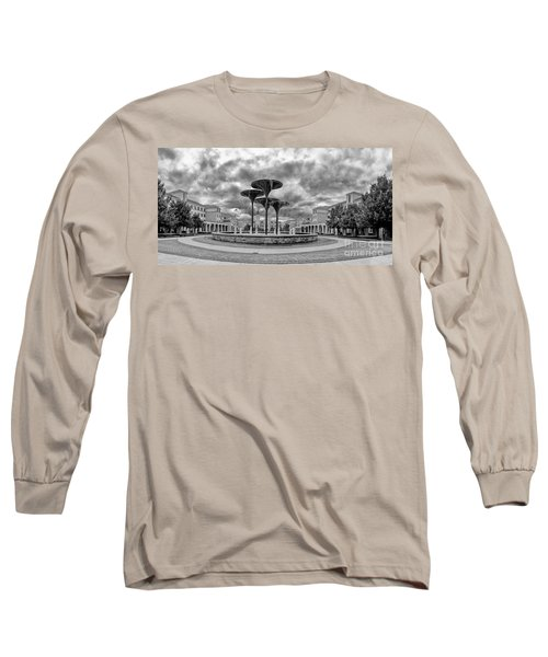 Black White Panorama Of Texas Christian University Campus Commons And Frog Fountain - Fort Worth  Long Sleeve T-Shirt