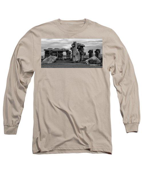 Carhenge Nebraska 17 Long Sleeve T-Shirt