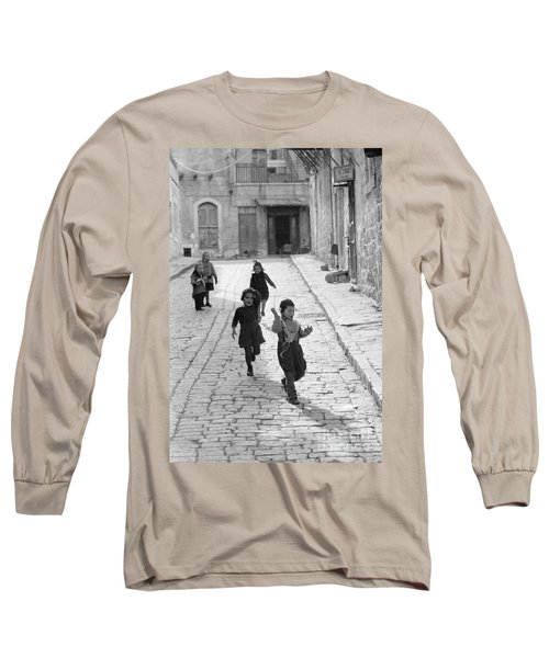 Children Playing In Jerusalem, 1952 Long Sleeve T-Shirt