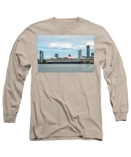 Cunard's Queen Elizabeth At Liverpool Long Sleeve T-Shirt