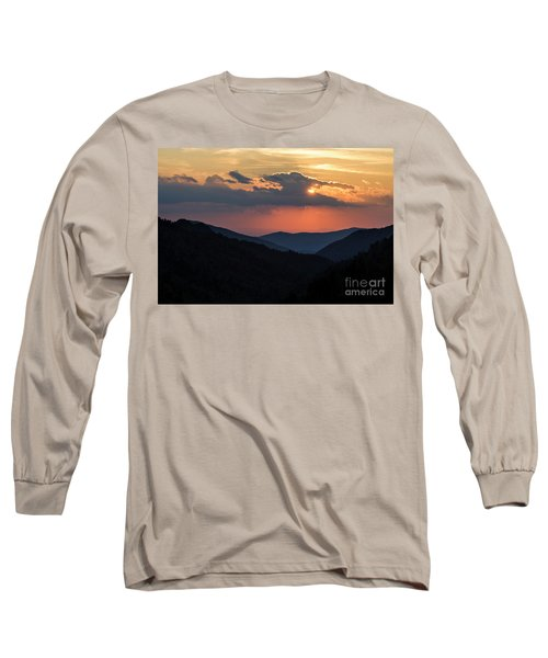 Long Sleeve T-Shirt featuring the photograph Days End In The Smokies - D009928 by Daniel Dempster