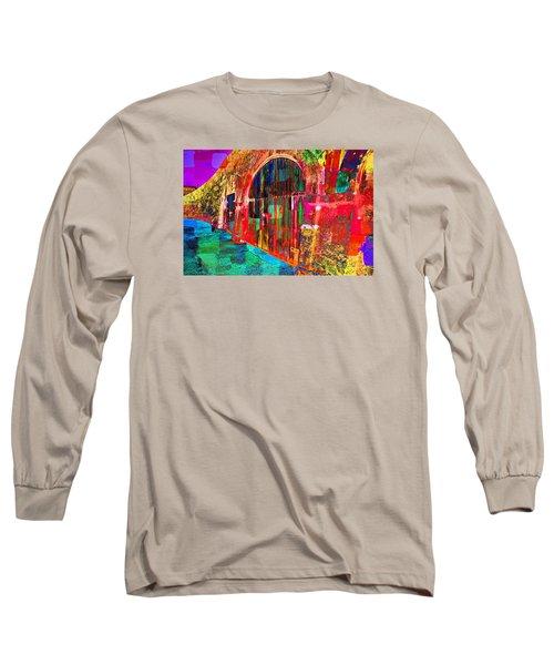 Dos Puertas Pintadas Long Sleeve T-Shirt