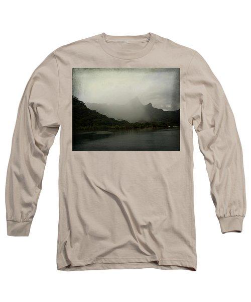 Entering Moorea Long Sleeve T-Shirt