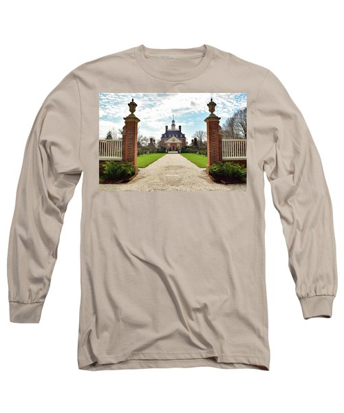 Governor's Palace In Williamsburg, Virginia Long Sleeve T-Shirt