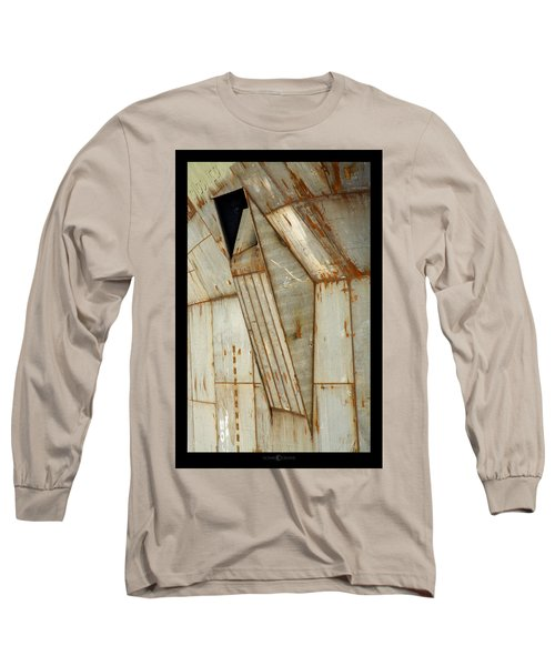 Hull Detail Long Sleeve T-Shirt