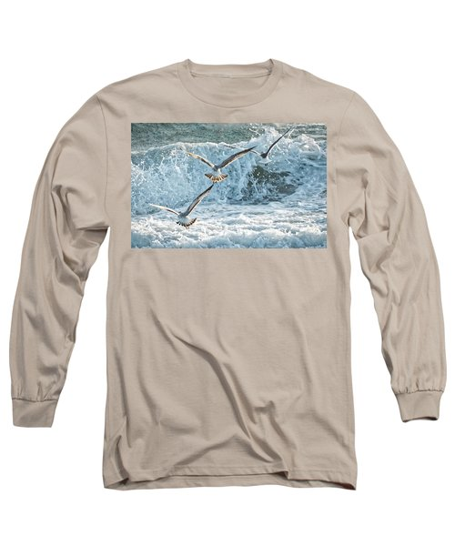 Long Sleeve T-Shirt featuring the photograph Hunting The Waves by Don Durfee