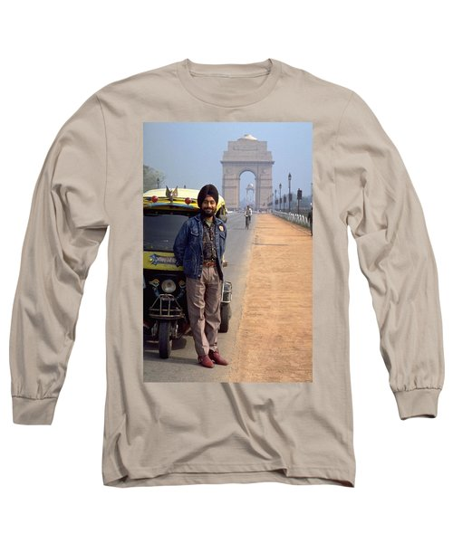 Long Sleeve T-Shirt featuring the photograph India Gate by Travel Pics