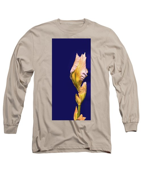 Iris Beginning To Bloom #g0 Long Sleeve T-Shirt by Leif Sohlman