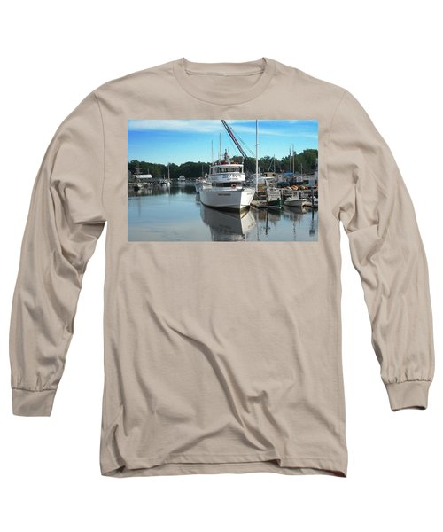 Long Sleeve T-Shirt featuring the photograph Kennubunk, Maine -1 by Jerry Battle