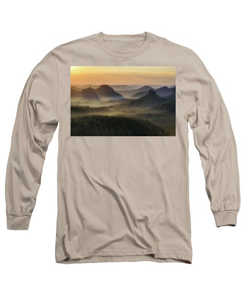 Kleiner Winterberg Silhouettes, Saxon Switzerland, Germany Long Sleeve T-Shirt