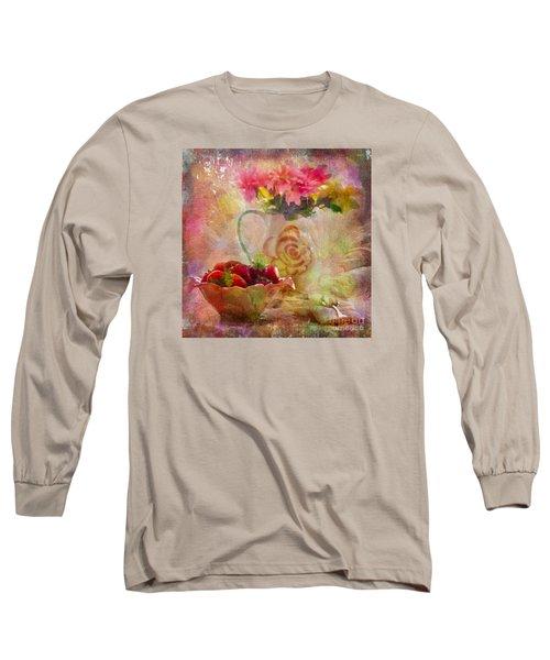 Les Fraises Et Les Fleurs 2015 Long Sleeve T-Shirt