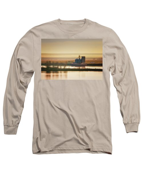 Long Sleeve T-Shirt featuring the photograph Loading Grain by Albert Seger