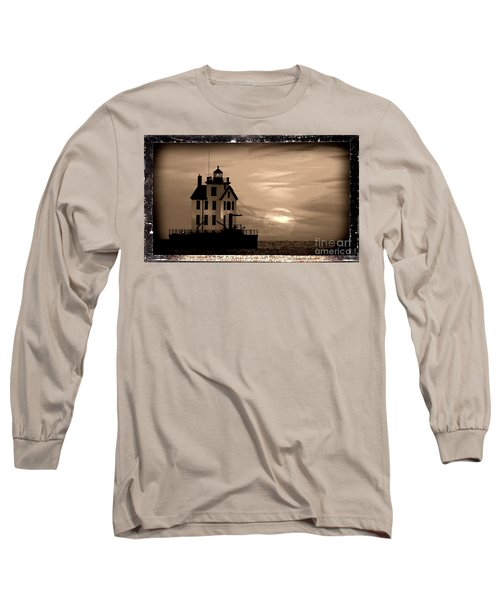 Lorain Lighthouse - Lake Erie - Lorain Ohio Long Sleeve T-Shirt