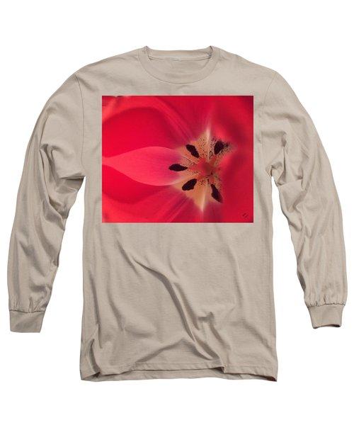 Macro Beauty Tulip Long Sleeve T-Shirt