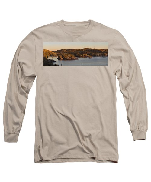Moon Rise Over Pukaskwa Long Sleeve T-Shirt