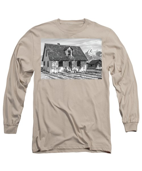 Long Sleeve T-Shirt featuring the photograph Moulton Homestead - Pink House by Colleen Coccia