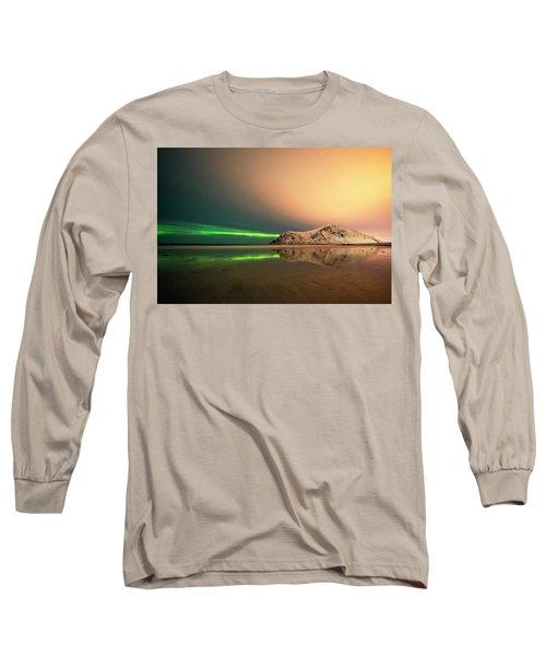 Northern Light In Lofoten Nordland 5 Long Sleeve T-Shirt by Dubi Roman