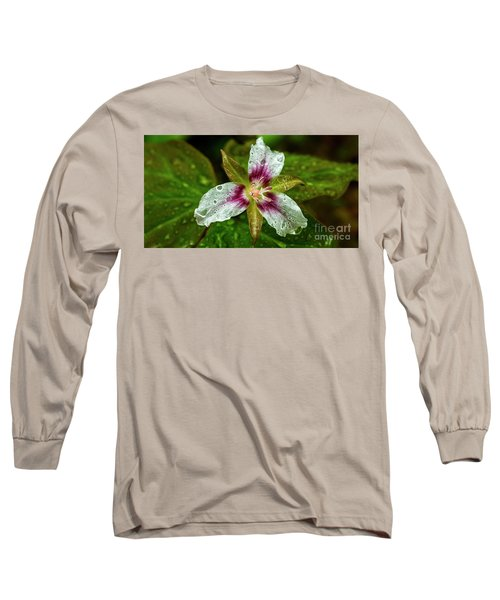 Painted Trillium With Raindrops Long Sleeve T-Shirt
