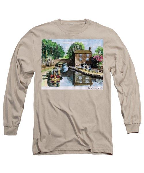 Peacfull House On The Lake Long Sleeve T-Shirt