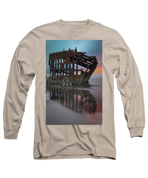 Peter Iredale Shipwreck At Sunrise Long Sleeve T-Shirt
