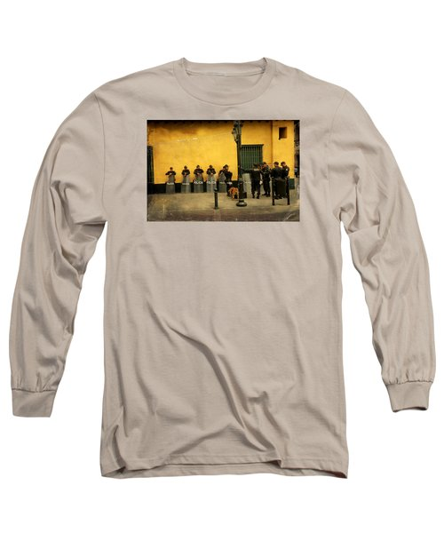 Policia In Lima Peru Long Sleeve T-Shirt