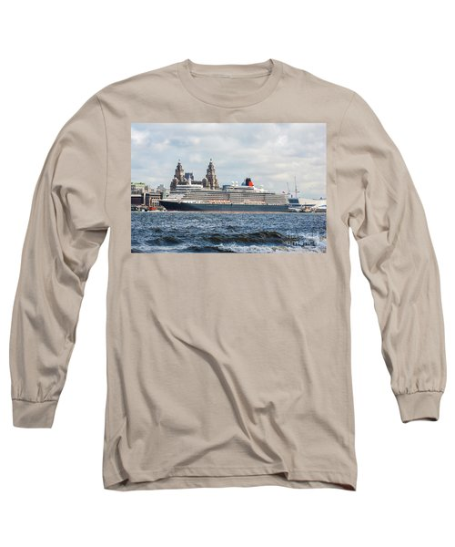 Queen Elizabeth Cruise Ship At Liverpool Long Sleeve T-Shirt