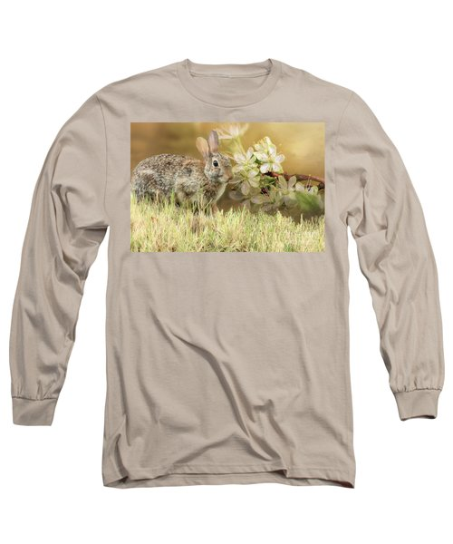 Eastern Cottontail Rabbit In Grass Long Sleeve T-Shirt