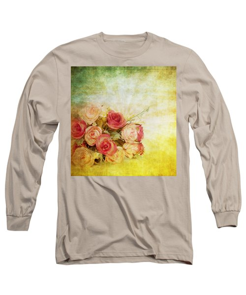 Roses Pattern Retro Design Long Sleeve T-Shirt