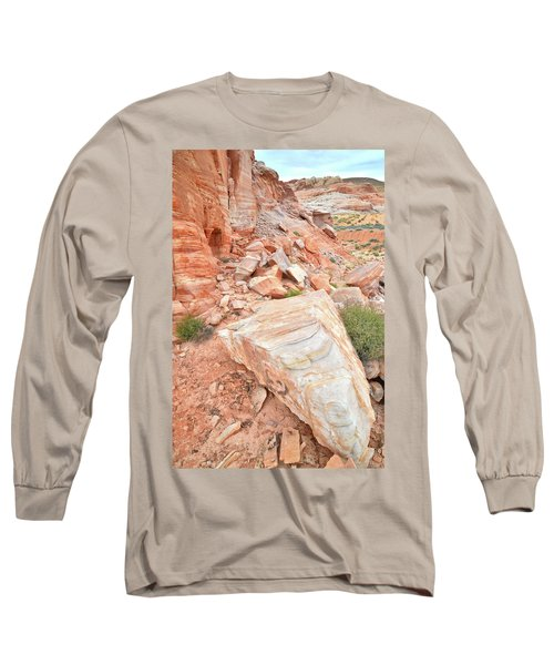 Long Sleeve T-Shirt featuring the photograph Sandstone Arrowhead In Valley Of Fire by Ray Mathis