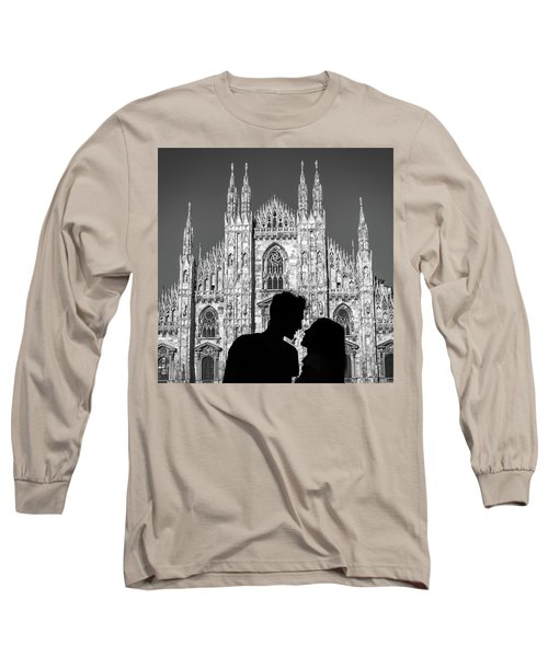 Silhouette Of Young Couple Kissing In Front Of Milan's Duomo Cathedral Long Sleeve T-Shirt