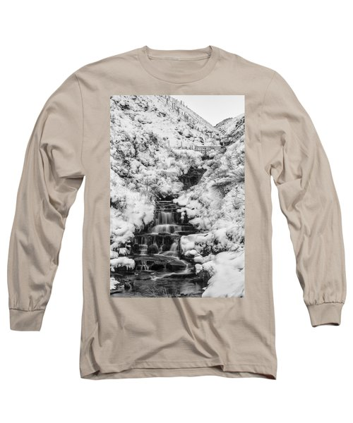 Snowy Waterfall In The Peak District In Derbyshire Long Sleeve T-Shirt
