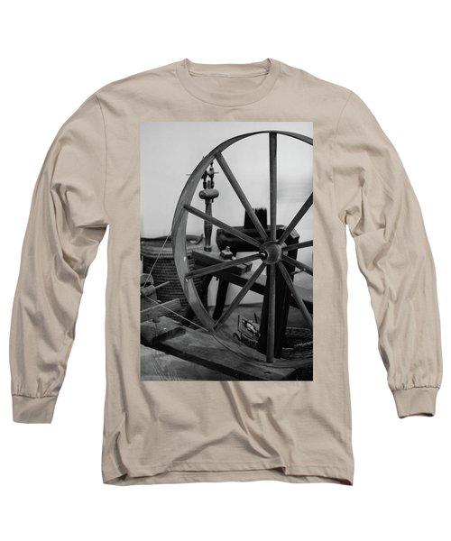 Spinning Wheel At Mount Vernon Long Sleeve T-Shirt