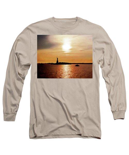 Statue Of Liberty At Sunset Long Sleeve T-Shirt
