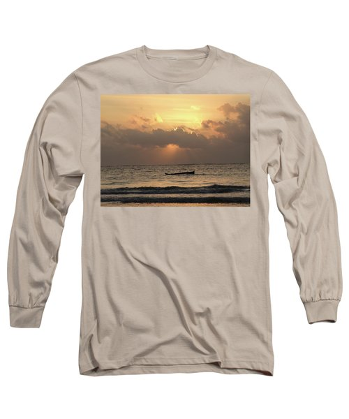 Sun Rays On The Water With Wooden Dhows Long Sleeve T-Shirt