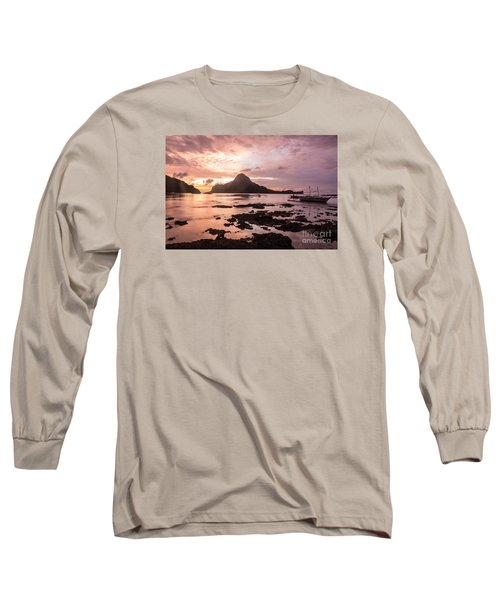 Sunset Over El Nido Bay In Palawan In The Philippines Long Sleeve T-Shirt