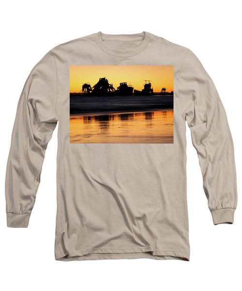 Tangalooma Wrecks Sunset Silhouette Long Sleeve T-Shirt