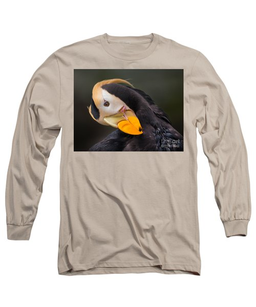 Tufted Puffin Preening Long Sleeve T-Shirt