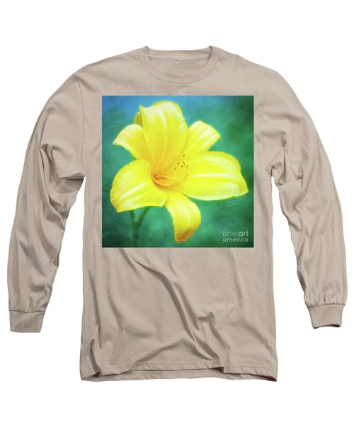 Buttered Popcorn Daylily In Her Glory Long Sleeve T-Shirt