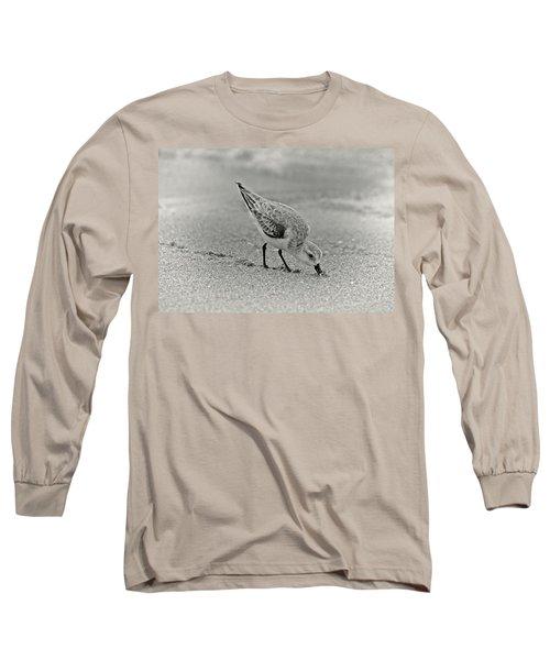 Sanderling Foraging For Food Long Sleeve T-Shirt