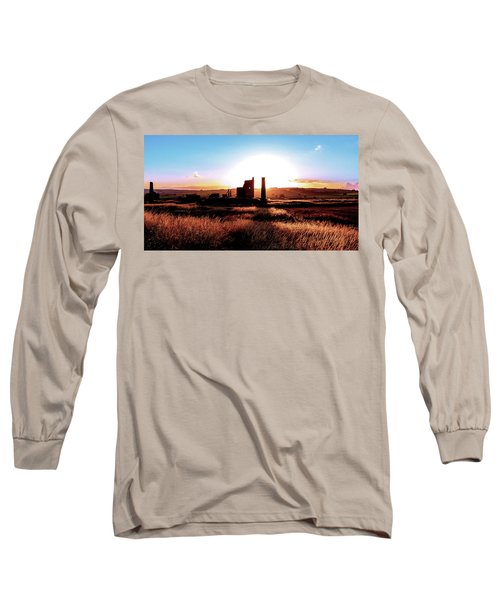 Sunset. Magpie Mine. Long Sleeve T-Shirt
