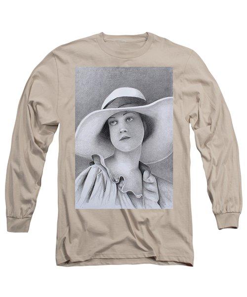 Vintage Woman In Brim Hat Long Sleeve T-Shirt