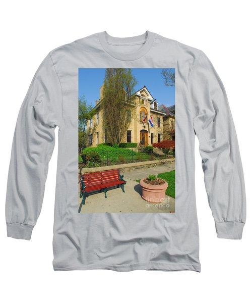 D47l-14 Victorian Village Photo Long Sleeve T-Shirt