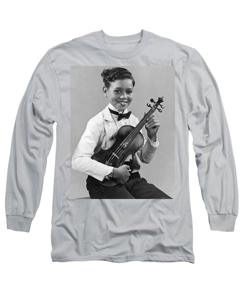 A Proud And Elegant Violinist Long Sleeve T-Shirt