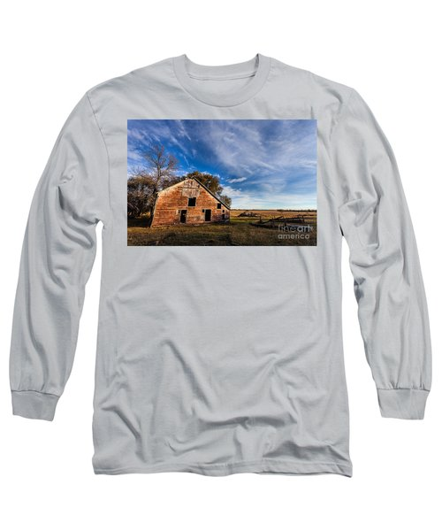 Barn In The Midwest Long Sleeve T-Shirt by Steven Reed