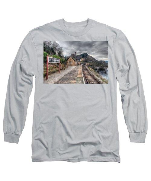 Berwyn Railway Station Long Sleeve T-Shirt