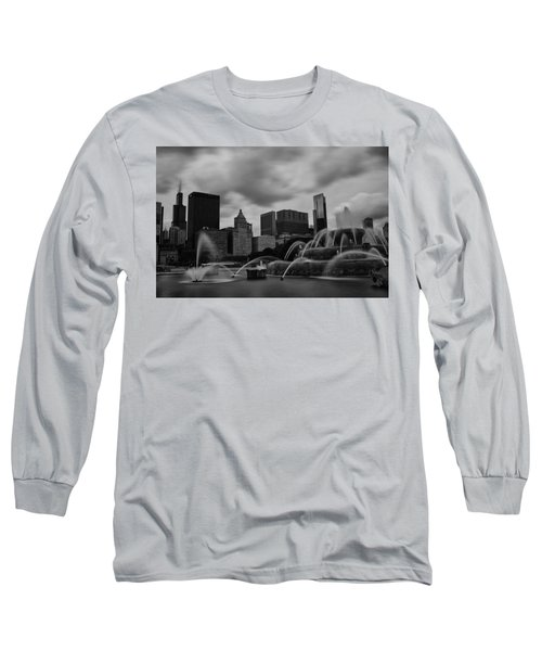 Long Sleeve T-Shirt featuring the photograph Chicago City Skyline by Miguel Winterpacht