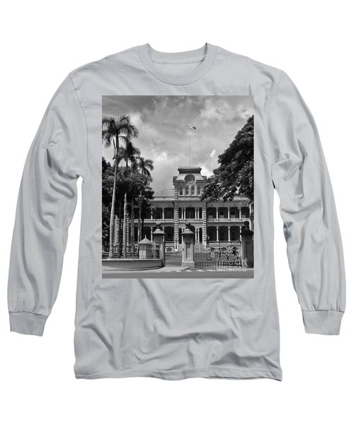 Hawaii's Iolani Palace In Bw Long Sleeve T-Shirt by Craig Wood