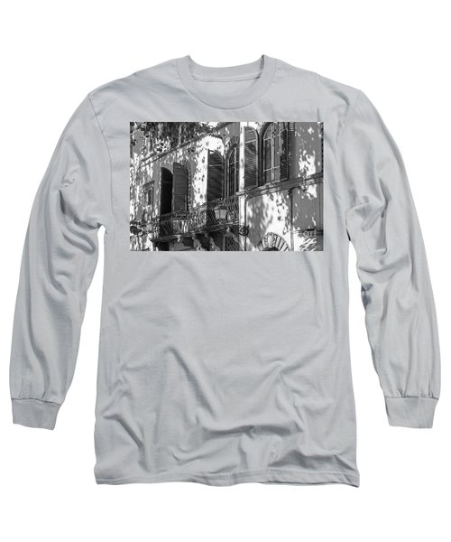 Italian Facade In Bw Long Sleeve T-Shirt